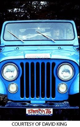 Stompin' 76 bumper sticker on jeep